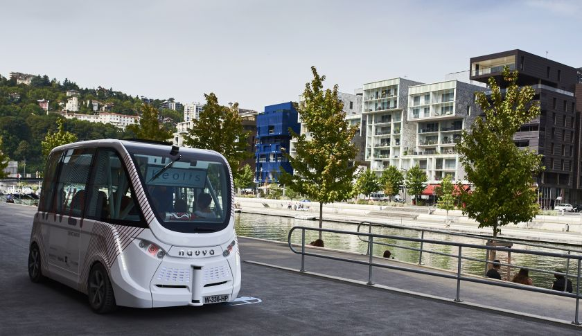 worlds first driverless bus service launched french. Black Bedroom Furniture Sets. Home Design Ideas