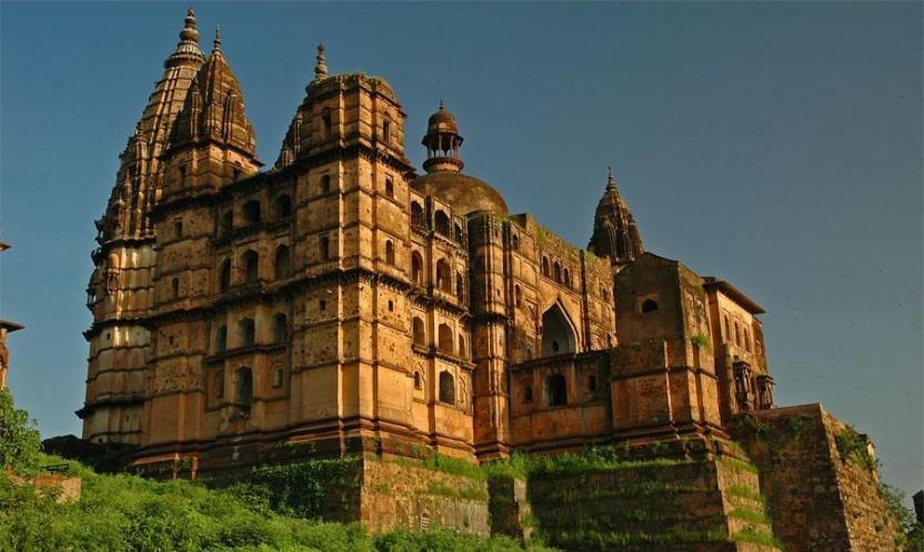चतुर्भुज मंदिर के बारे में About Chaturbhuj Temple
