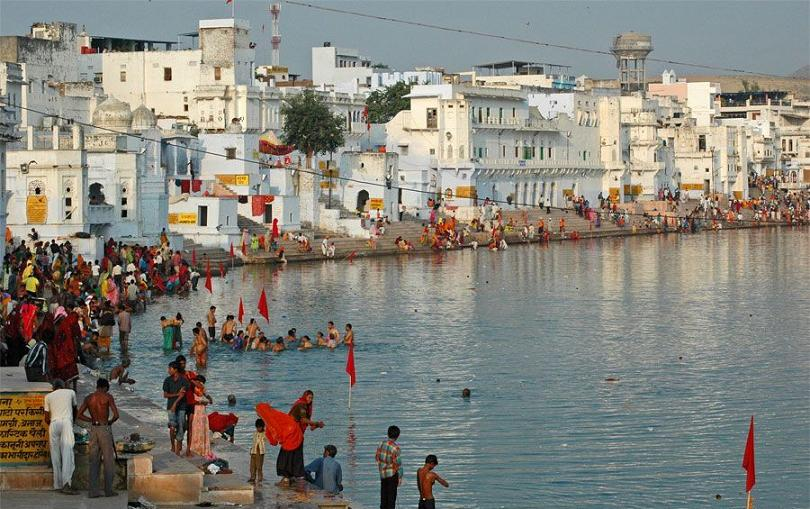 Pushkar Lake is one of the most holy place for Hindus