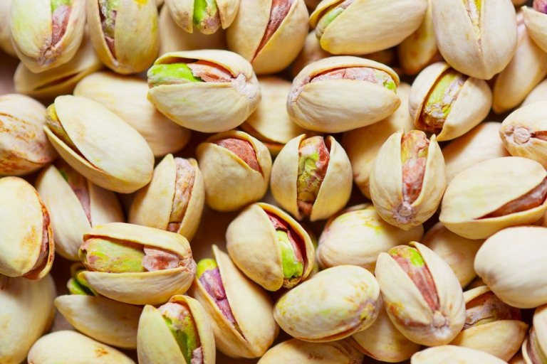 पिस्ता खाने के फायदे और नुकसान Pistachio Khane Ke Fayde or Nuksan in Hindi