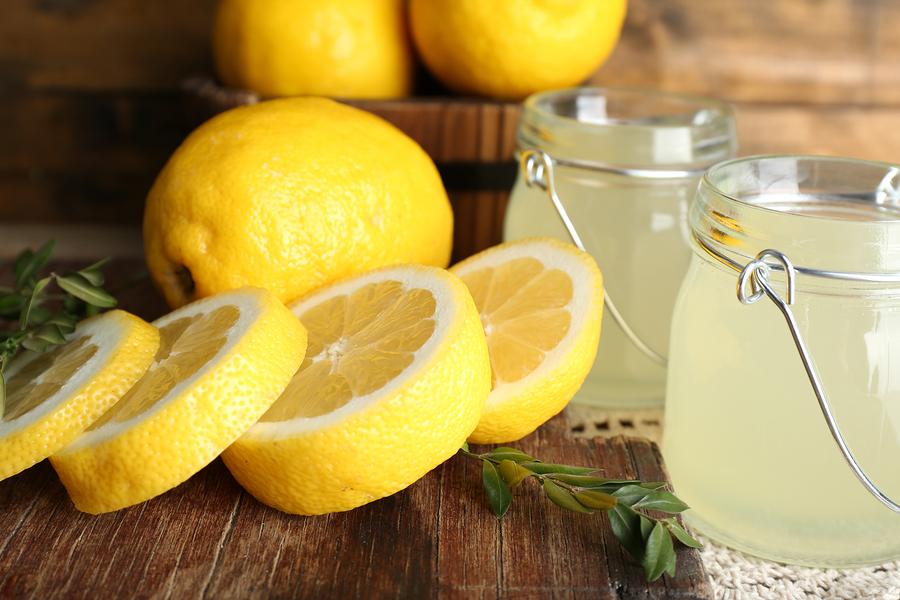 नींबू खाने के फायदे और नुकसान Lemon Khane Ke Fayde or Nuksan in Hindi