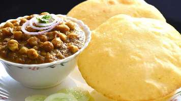 Best Tasty Chhole Bhature Places in Jaipur Hindi