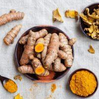 हल्दी खाने के फायदे और नुकसान Haldi Khane Ke Fade or Nuksan in hindi