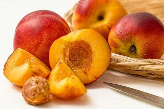 अमृत फल खाने के फायदे और नुकसान Nectarine Khane Ke Fayde or Nuksan in Hindi